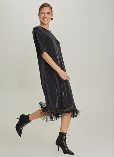 NGSTYLE Simli Püsküllü Midi Örme Elbise Siyah